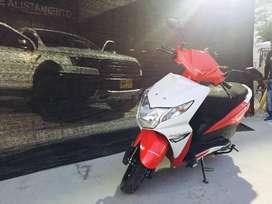 Vendo Moto Honda con papeles al día,  modelo 2017