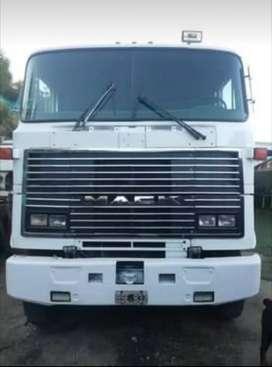 Vendo camión mack 6x4