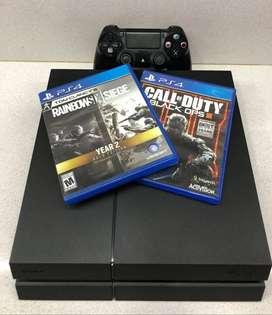Playstation 4 500GB  + 1 joystick + 2 juegos fisicos