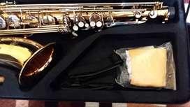 estupendo saxo tenor california  sonido de alta calidad