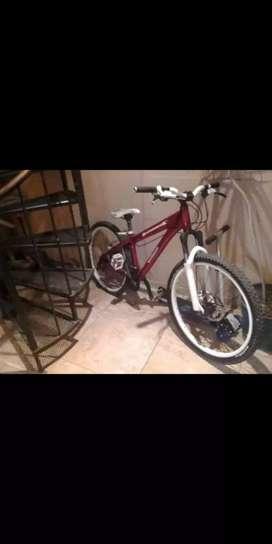 Bicicleta DiamontBack 26
