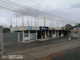 Terreno con construcción con 5 locales comerciales terminados