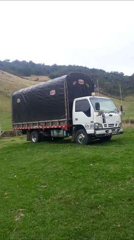 Vendo camión npr está en perfectas condiciones recién en llantada