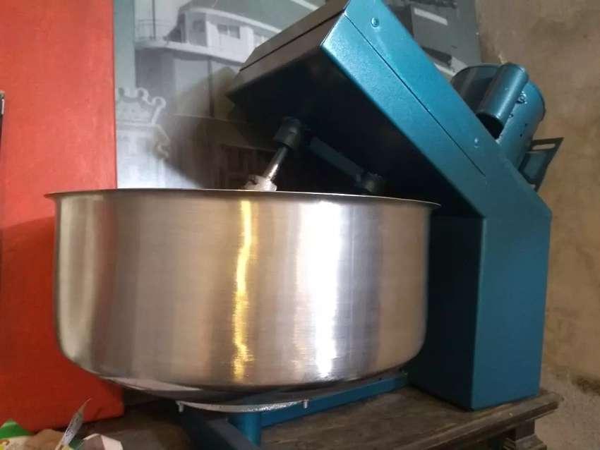 Amasadora de 20 kilos tacho de acero rapida 0