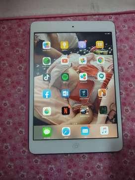 Se vende o cambia iPad mini primera generación libre de icloud 16gb