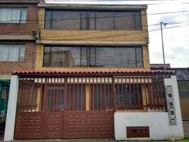 Venta de casa 3 niveles , 7 mt x 25 mt Carvajal Osorio