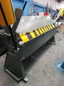 Se vende maquinas dobladora y cortadora nuevas
