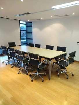 Mesa de juntas grande