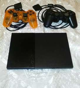 Play station 2 version 9001 con 2 controles y 7 juegos