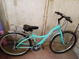 Bicicleta aro 26 , buen estado , seminueva , con cambio de velocidad