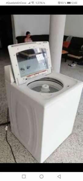 Vendo lavadora de 15k  whirlpool