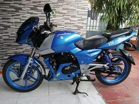 Moto pulsas 200 oil modelo