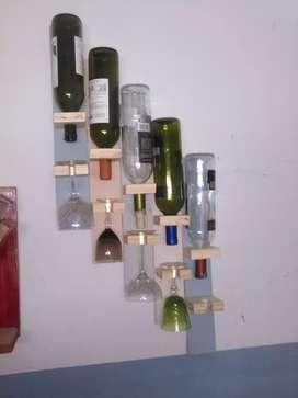 Exhibidor de madera p/vinos y copas