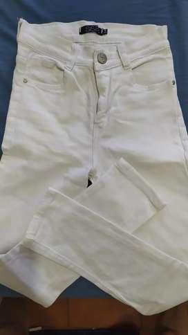 Jeans sisa blanco elastizado talle 34