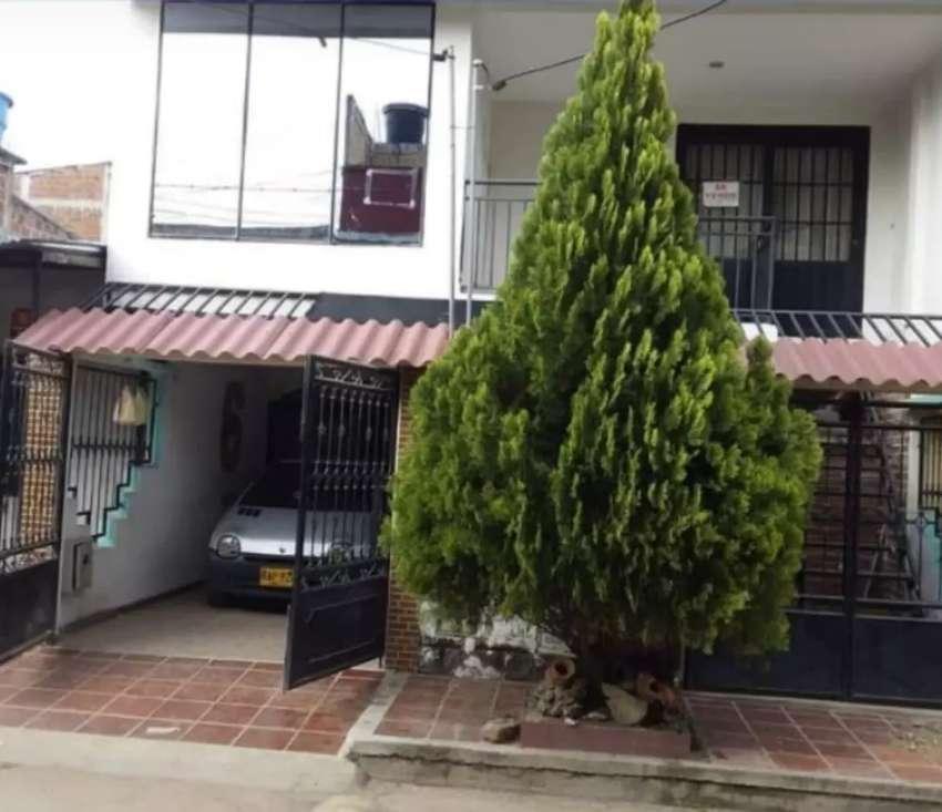 Se Vende Hermosa Casa con Apartamento en Manzanarez 4 etapa 0