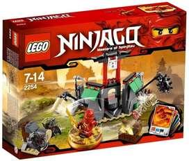Lego Ninjago 2254 Montaña Shrine. Usado.