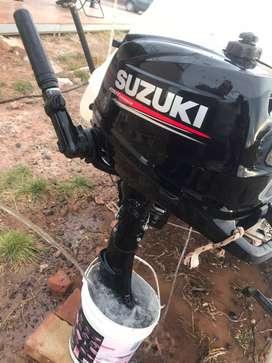 Venta. Motor Suzuki. 6 hp. 2 horas de uso.