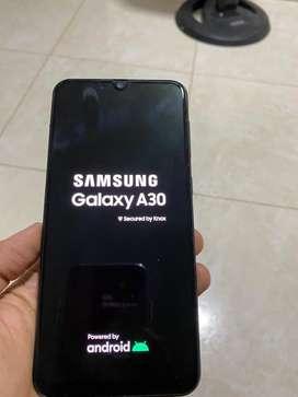Se vende celular samsung Galaxy A30