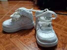 Zapatos Nike originales talla 2.5