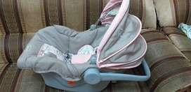 Combo bebe (Niña) Marca Born 1 año de Uso