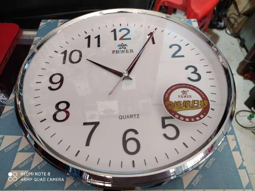 Reloj de pared con cámara wifi 1080p