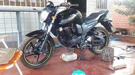 Vendo la Yamaha fz
