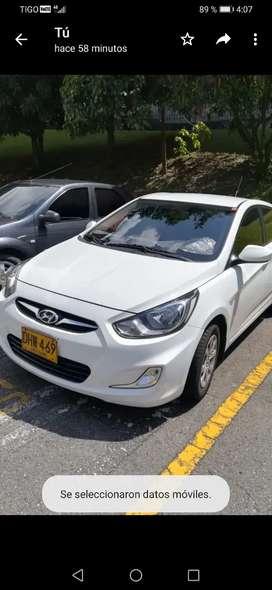 Venta vehículo hyundai accent i25