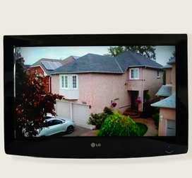 Televisor MONITOR LCD marca LG de 26 pulgadas