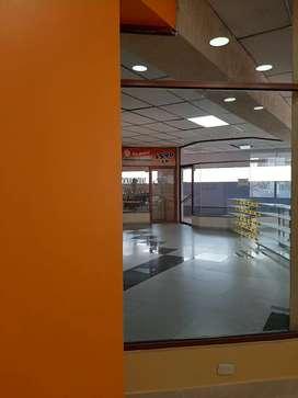 Arriendo local comercial centro de Ambato