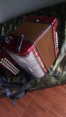 Vendo acordeon honer 5letras. Nuevo