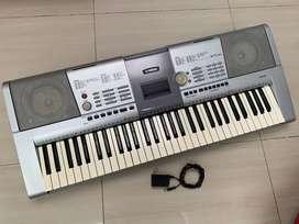 piano organeta YAMAHA PSR 295