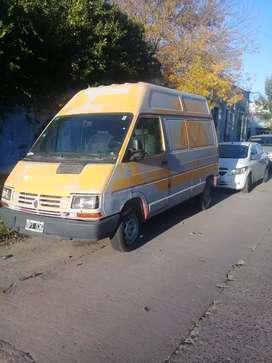 Renault trafic titular