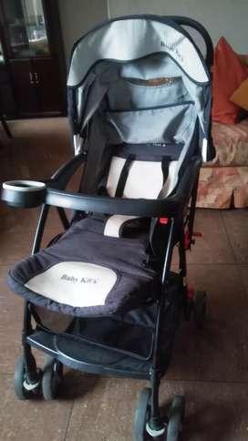 Coche Cuna Semi Nuevo Marc Baby Kit's