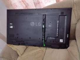 Monitor LG 49, para publicidad