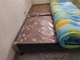 base cama sencilla con colchón y colchoneta