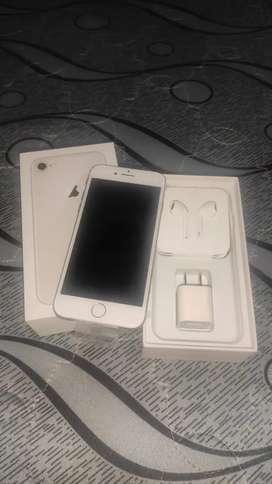 Se vende iPhone 8 de 64GB