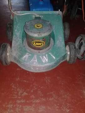 Maquina electrica marca kawi muy potente muy linda maquina y en buenas condiciones .