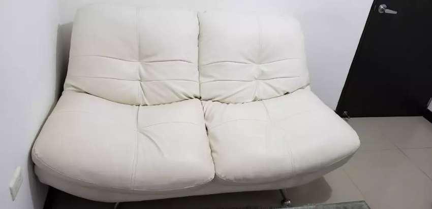 Juego de Muebles. Regalo Mesa de Centro y 2 sillas para barra 0