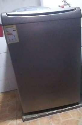 Vendo lavadora en perfecto estado marca wirpol de 32 libras