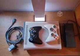 Vendo xbox 360 disco de 250 gb