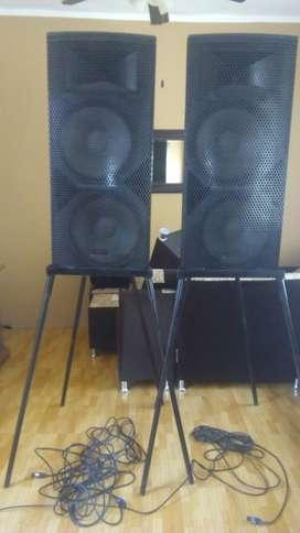 Ocasión vendo dos parlantes de sonido