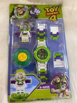 Reloj mickey y toy story