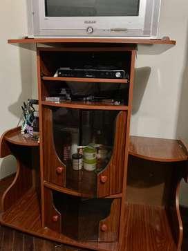 """Mueble y Tv 32"""" SAMSUNG (en venta los 2) 390"""