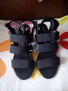 Zapatos  dama negros tacón americanos 6 1/2