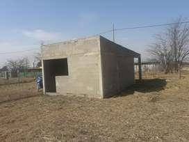 Se Vende Terreno con Construcción