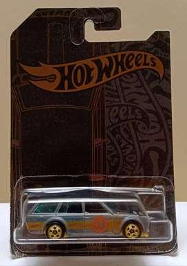 Hot Wheels Datsun 51 Aniversario