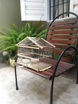 Vendo jaula artesanal para pájaros chicos