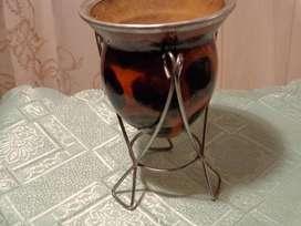 Mate de calabaza con pie de alambre y virola