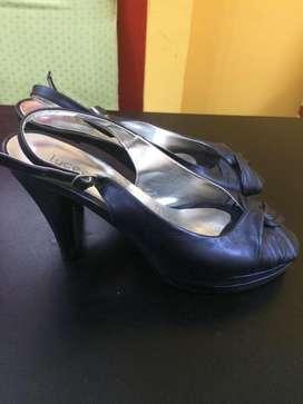 stiletos zapatos talle 40 azul
