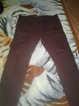 Jean Skinny Color Vino Marca Kansas